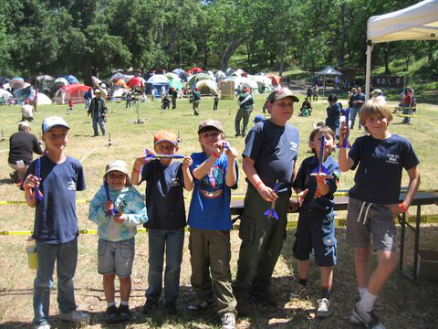 Den 6 of Pack 302 extends an Invitation