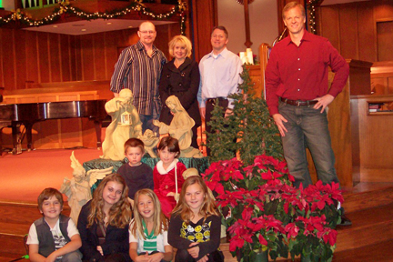 L-R bottom (sitting) : Austin Marks, 9, Carleigh Fernandez, 15, Sarah Milbrodt, 9 and Nicole Marks 11. Middle row (sitting): Nolan Kuszyk, 4, and Alison Kuszyk, 6. Standing, back row: Todd Marks, Michele Fernandez, Brent Kuszyk and Pastor Andy Wilson. Photo by Shana LiVIGNI