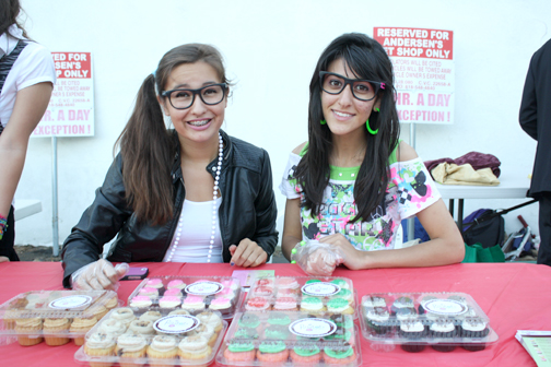 Katy Sandoval, left, and Natalie Dassian sold Polkatots cupcakes.