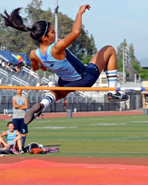 Photos by Leonard COUTIN Grace Keller in the high jump.
