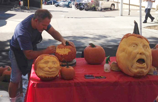 See world famous pumpkin carver Jon Neill at our Harvest Market this Sunday!