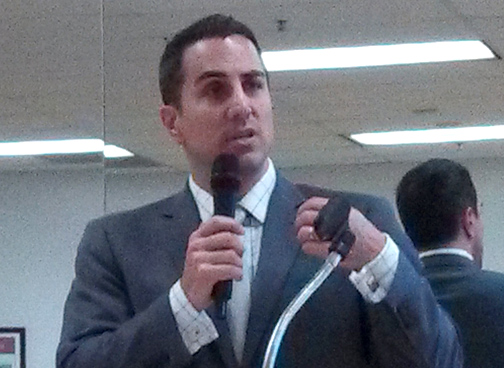 Photo by Isiah REYES  Assemblymember Mike Gatto outlined his 2015 legislation plans during a town hall meeting.