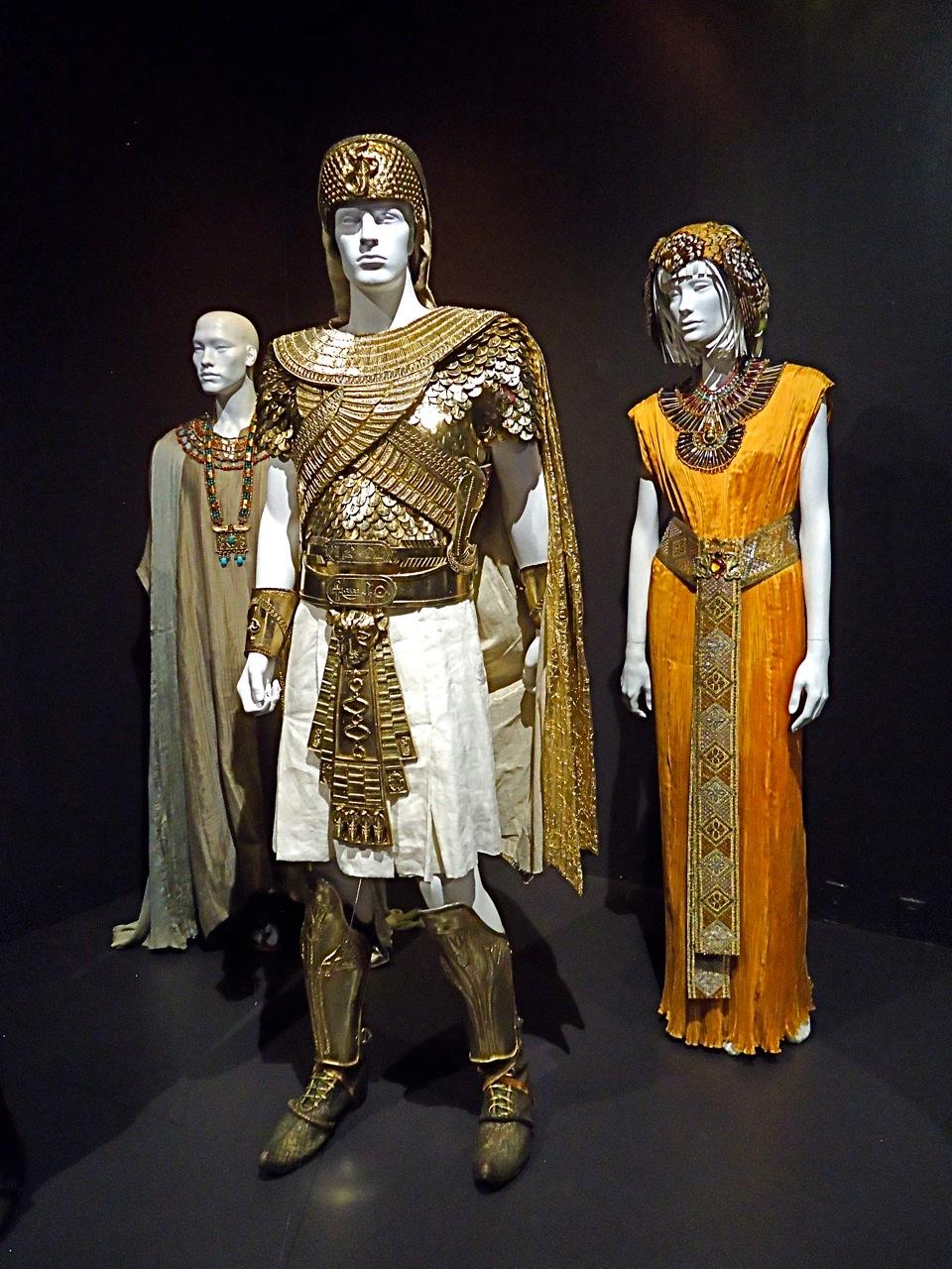 fidm showcases oscar nominated costumes crescenta valley