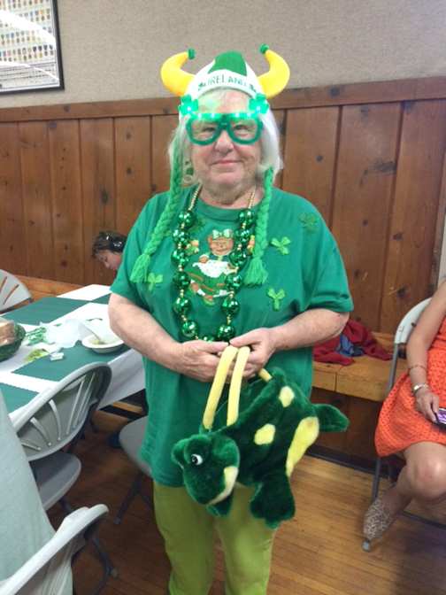 Bobbie Cold got into the Irish spirit at the dinner.