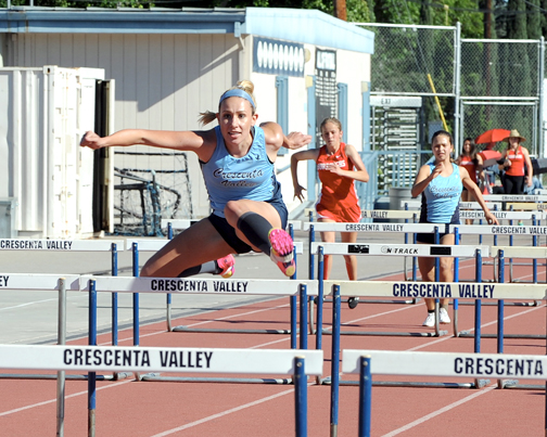 Photos by Leonard COUTIN Sammie Phinney won the 100HH (14.8).