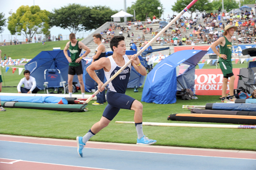 Photos by Leonard COUTIN Flintridge Prep's Barrett Weiss prepares to make the qualifying height of 14-8 at the CIF state track and field finals on Saturday.