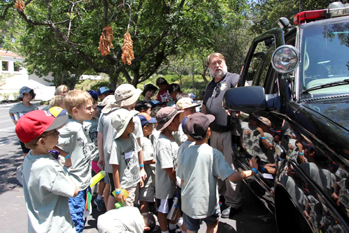 Jim Walls from the City of Glendale Radio Shop told Cub Scouts about the technology that was built into his truck.