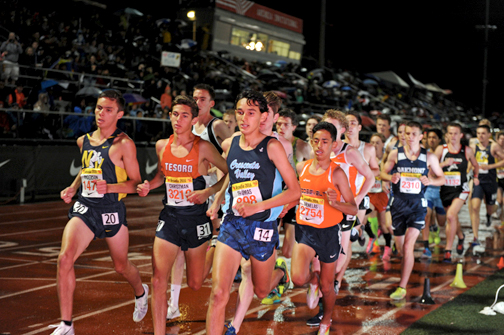 Photos by Leonard COUTIN Philip Thomas led the pack in the 3200m at the Arcadia Invitational.