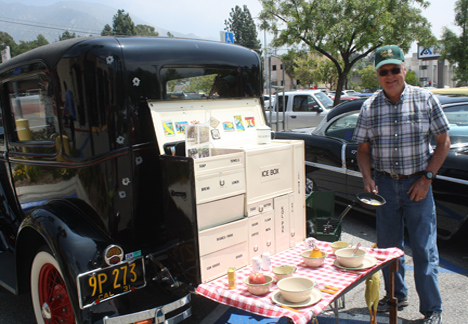 Al McGee's Model A came with a picnic option that provided place for a full culinary presentation.