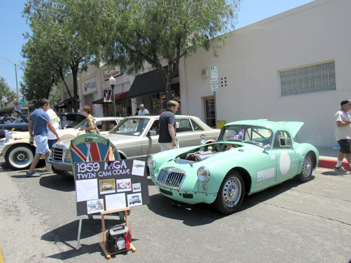 Montrose Hosts Car Show Crescenta Valley Weekly - Car show display props