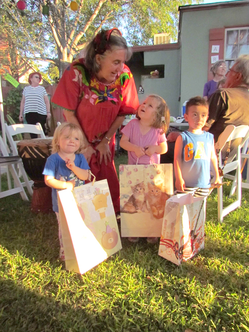 Becky w kids & Art Hunt bags of art supplies AD 16 (4)