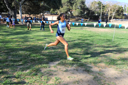 Photos by Leonard COUTIN Lead CV runner Nalia Ortiz takes the lead position for the Falcons to capture fourth place running a time of 20:22.28.