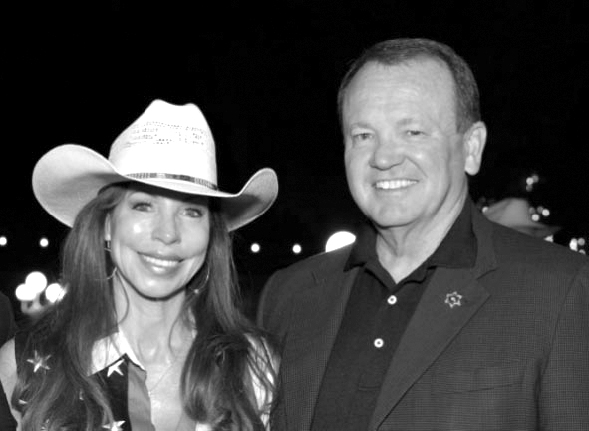 no-1-hostess-linda-taix-and-sheriff-jim-mcdonnell-web