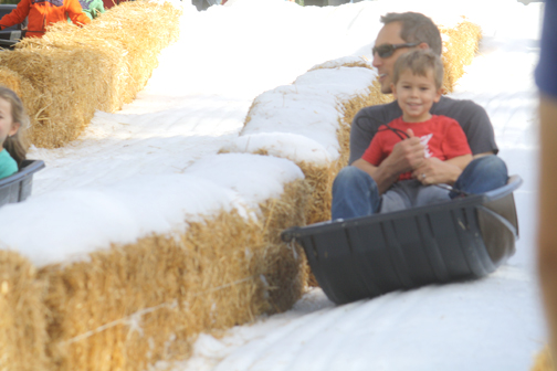 File photo Locals will pull on their mittens and bring sleds to the 2nd Annual Winter Wonderland presented at Two Strike Park, 5107 Rosemont Ave. in La Crescenta on Dec. 29 from noon to 4 p.m.