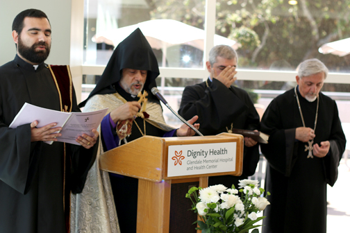 Dignity Health – Glendale Memorial Hospital Holds Good Friday Services